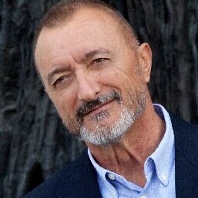 Pérez-Reverte: Quien tiene poder usa las crisis para